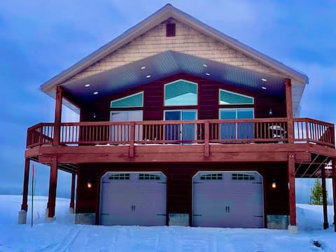Yellowstone Meadows Lodge+HotTub+WiFi+20m to YNP