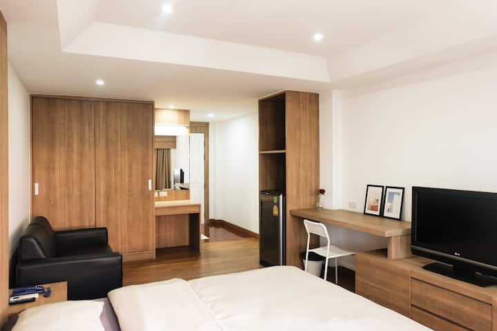 Newly renovated! Deluxe King Room In Ladphrao