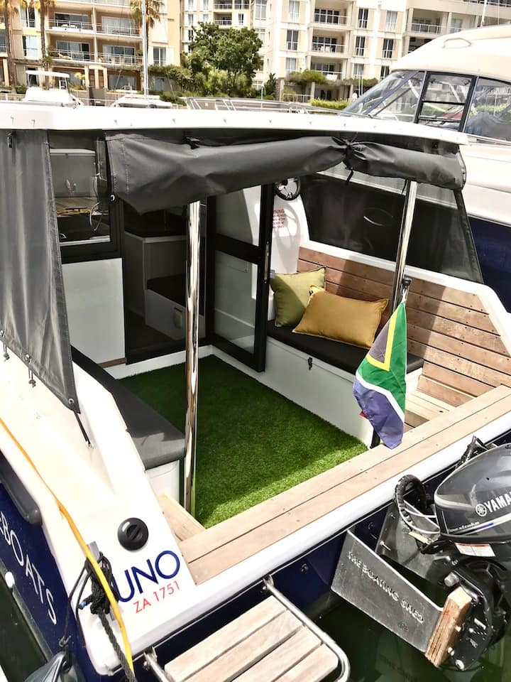 Houseboat - Unique Waterfront Accommodation