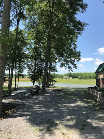 SITE for one RV: 2 Adults Only/1 Hr Nashville/Hunt