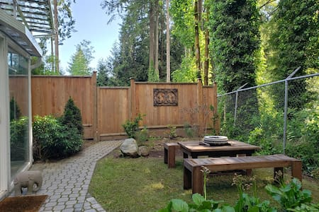 Local Getaway Close to Nature *1300 SQFT* Bsmt Ste