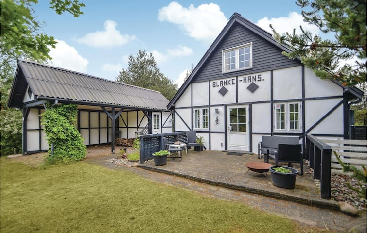 Holiday cottage with 3 bedrooms on 80m² in Rømø