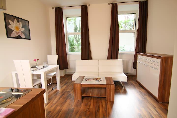 Belvedere Garden Comfort Apartment - Wenen - Appartement