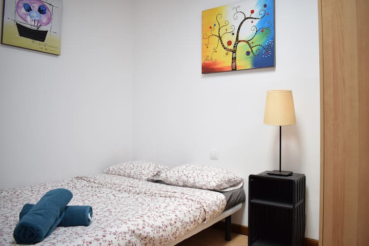 little bedroom, city center #