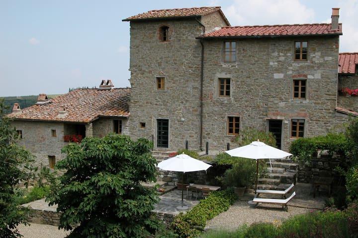 "Campolungo ""l`Alto"" traumhafte Aussicht, ruhig - Greve in Chianti - Wohnung"