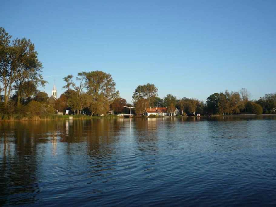 Kerk Ae, lekker om te roeien! vanaf hier is alles per boot bereikbaar, Broek in Waterland, Monnickendam en de rest van Noord Holland!