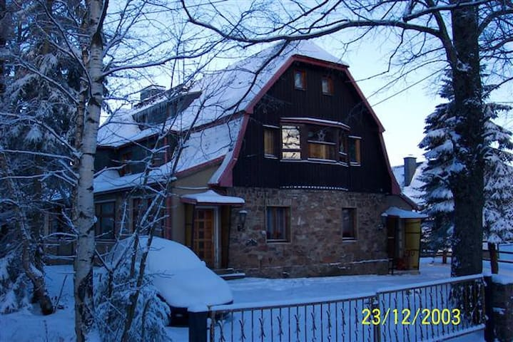 Villa for 24 pers.for 320.- eur/ngt