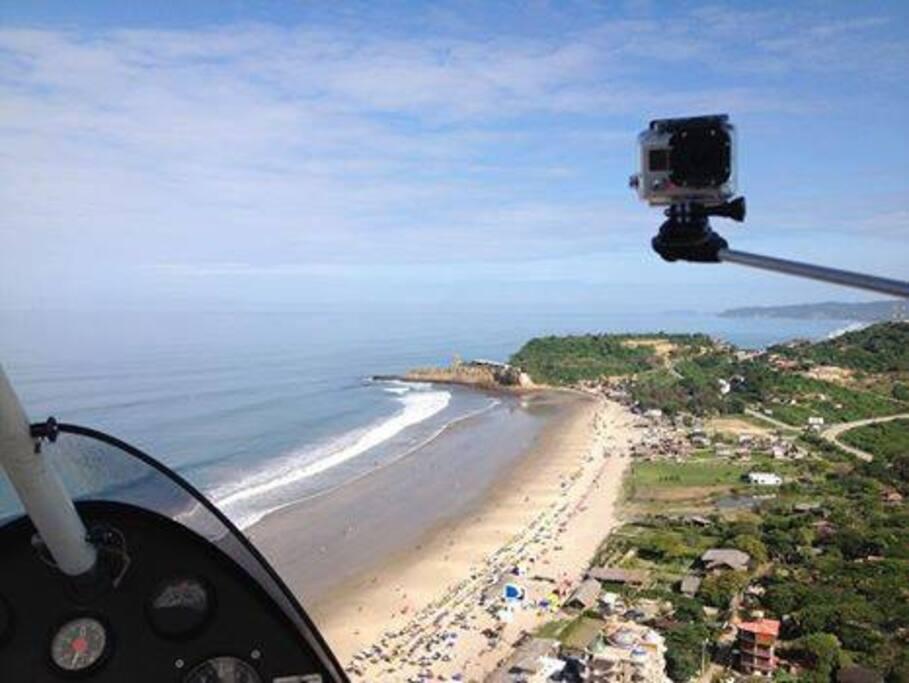 vista aerea de la playa montañita
