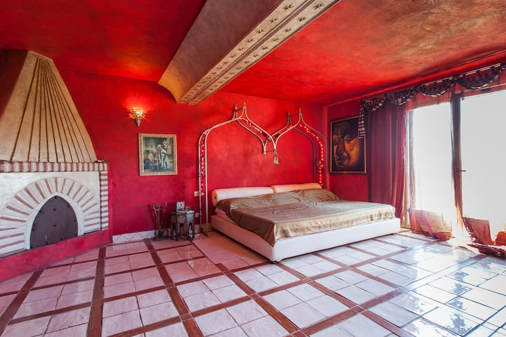 luxury villa oriental near rome ,pool,spa,tennis