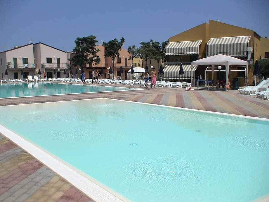 altre 2 piscine del villaggio