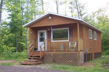 Popular Cabin for Snowmobilers -Twin Lakes in U.P.