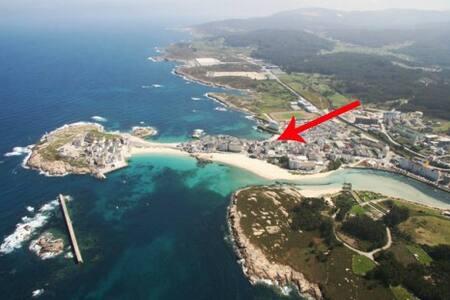 Playa Primerísima Línea en San Ciprián, Galicia - San Cibrao