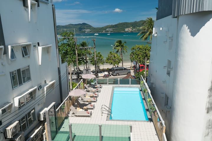 Φ B DBL Room with balcony good atmosphere pool Φ