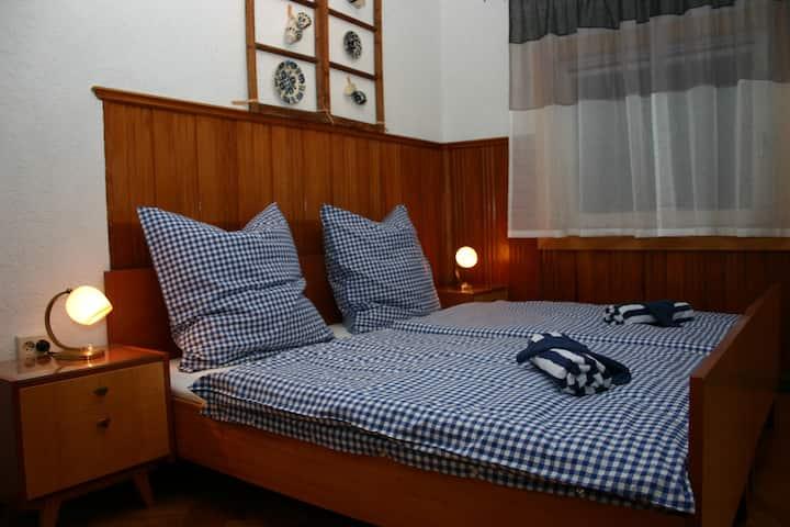 Retro-Zimmer auf dem Huskyhof