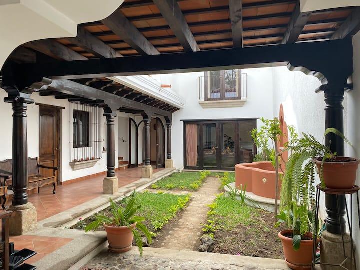 Hermosa casa colonial en Antigua Guatemala