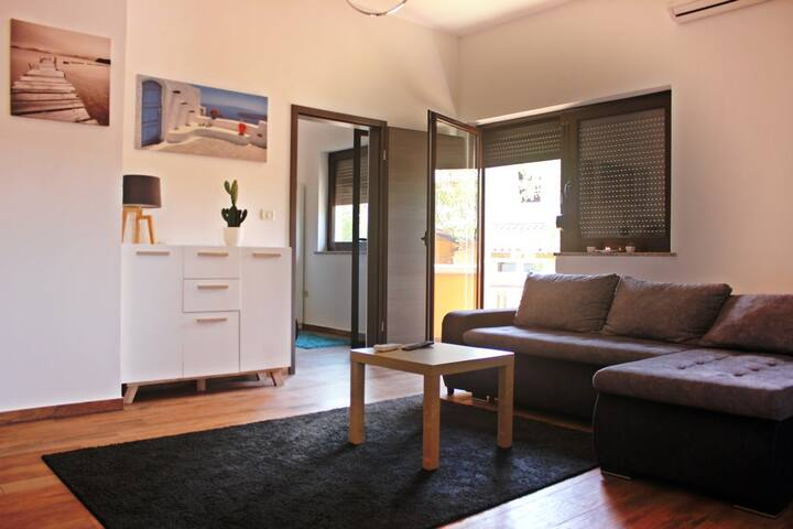 Two-Bedroom Apartment Sunset 6 - Pomer