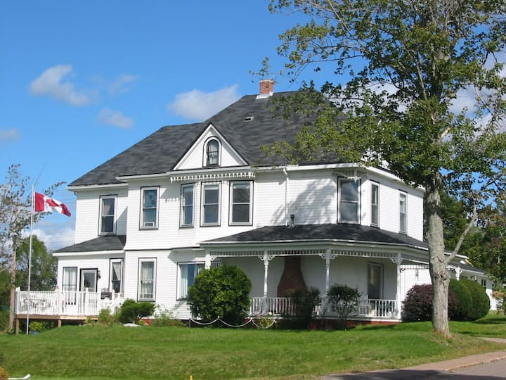 Canada Select Historical B&B