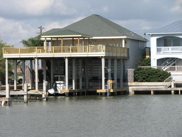 Waterfront house, docks and lifts ,Port Mansfield - Port Mansfield