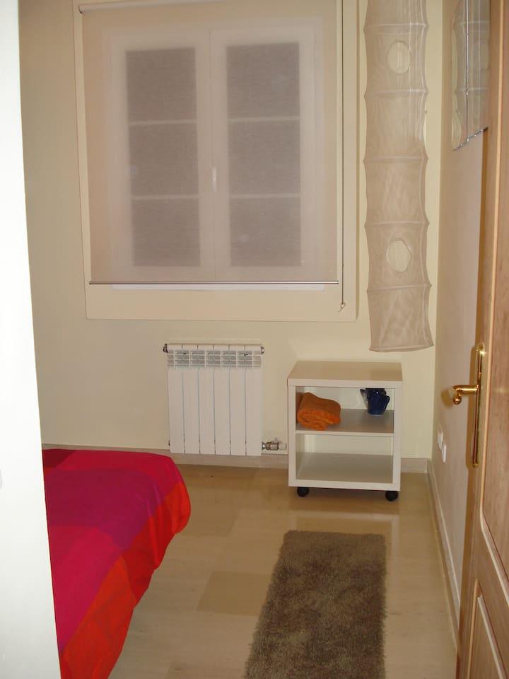 Dejligt og hyggeligt soveværelse   lejligheder til leje i palma de ...