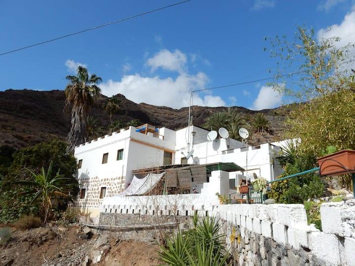 Three Bed Dorm - Blablabla Guest House, Tasarte