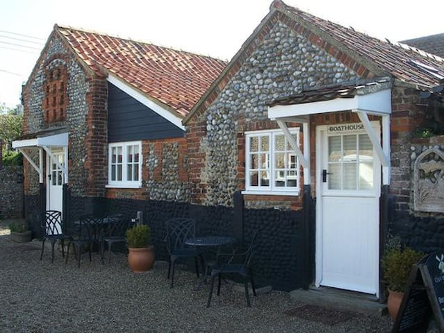 Cley Windmill - The Boathouse