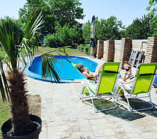 Oasis with swimming pool 30km from Belgrade!