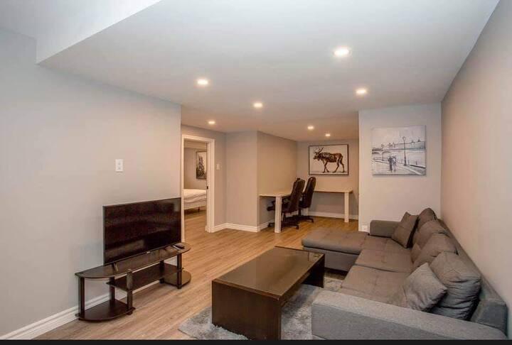 Beautiful 3 bedroom basement (Just bring yourself)