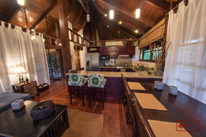 Casa Bali - Beautiful private 3/2 home with pool