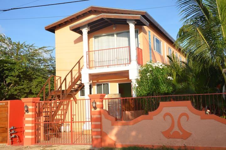 Apartment w Balcony near Baby Beach