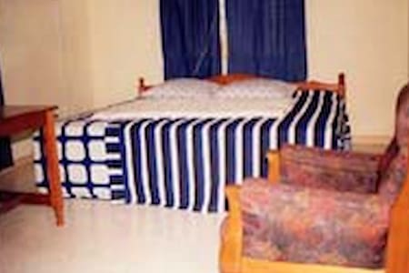 J2N Guest House - Accra