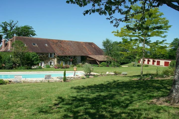 Stunning Family Manor sleeps 16+ - Limoges - Casa