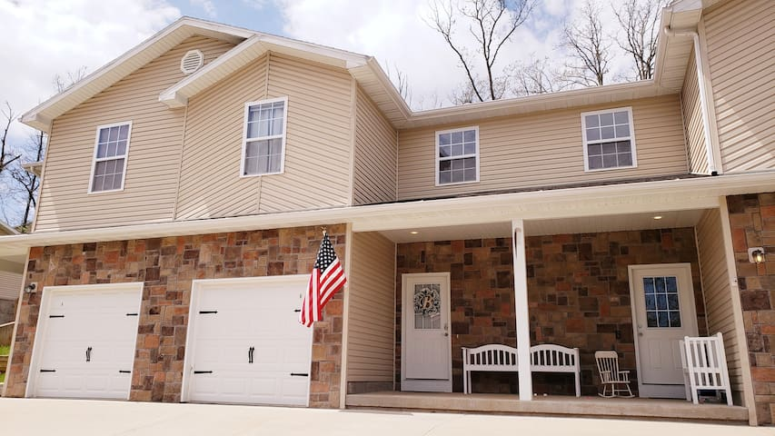 🥇Newly Furnished Home 3.5 mi to FLW Main Gate! 😲