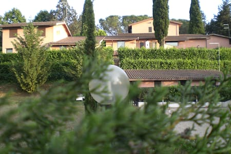 Villa Christian e Michelle N° 1  - Residenza Aurelia RM - Apartemen