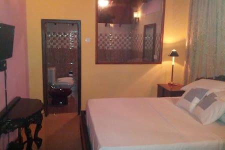 Comfortable rooms near the Airport - Katunayake