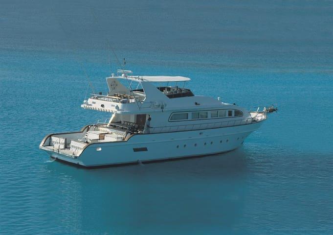 Luxury Yacht in Muscat - Seeb - Kapal
