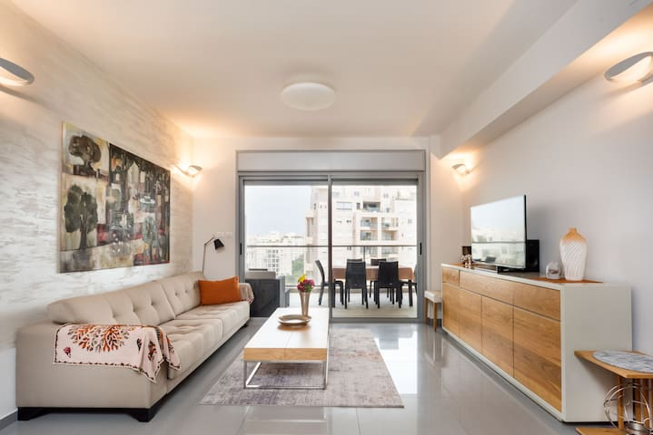 Stylish 3 BR w/ Amazing Balcony and Parking