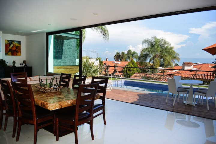 Residencia con alberca privada en Ajijic, Jalisco