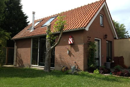 """Cottage """"De Soete Weelde"""" - Burgh-Haamstede - Kabin"""