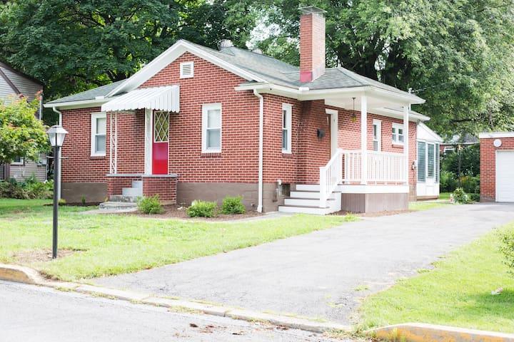 Pine Street Cottage