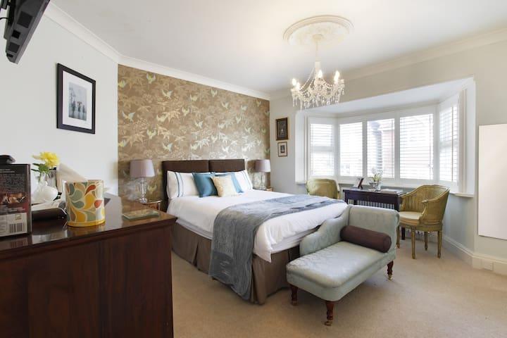 King-size En Suite in Aylesbury - Aylesbury - Bed & Breakfast
