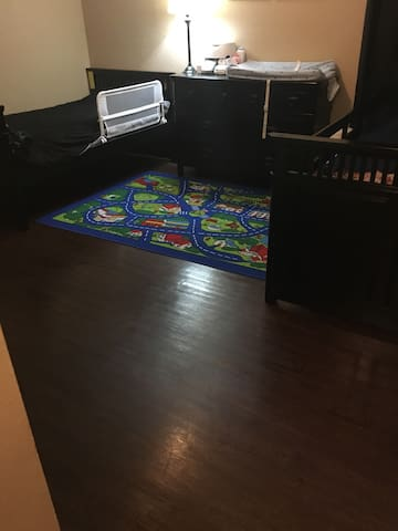 Private Room and Bathroom for singles/couple - Carrollton - Apartment