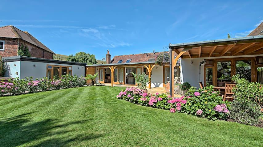 The Garden Room (detached)