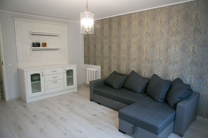 Newly renovated apartment 1km from the beach - Pärnu - Apartment