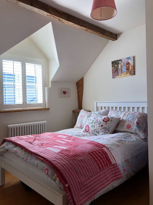 The New England Double - this room can sleep two please see link to book this for 4 persons https://abnb.me/cm449vzFPM