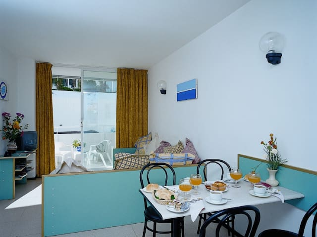 Studios very close to the beach. Ref.LLORET SUN-2