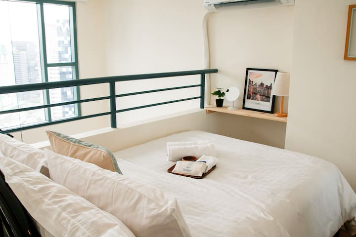 Awesome Loft Apartment, Netflix-fast WIFI @Indigo