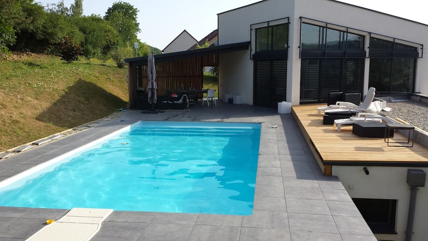 Grande maison contemporaine 180 m2 T7 - Montain - House