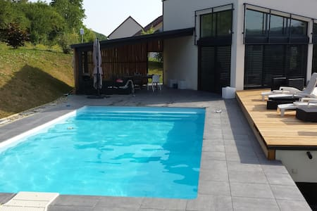 Grande maison contemporaine 180 m2 T7 - Montain - Ev