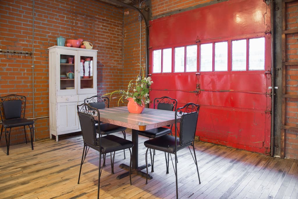 The Sun Room is the perfect place for your morning cup of coffee or tea. If you really want to get the summer feel, just lift up the garage door and it's like you're sitting at your own private cafe.