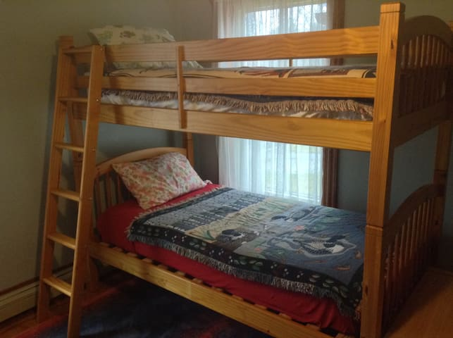 Heartwood Farmhouse Bunk Room #3